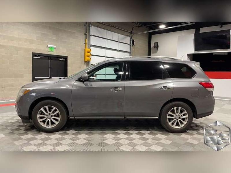 Nissan Pathfinder 2015 price $17,999