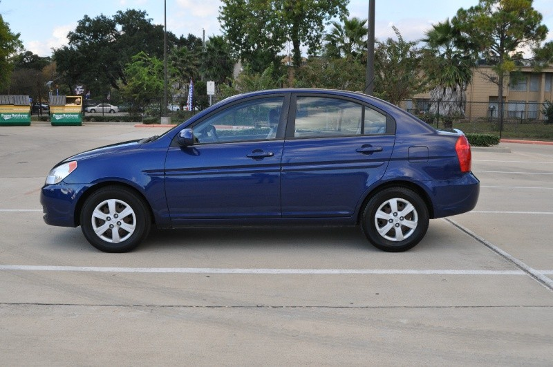 Hyundai Accent 2010 price $2,999