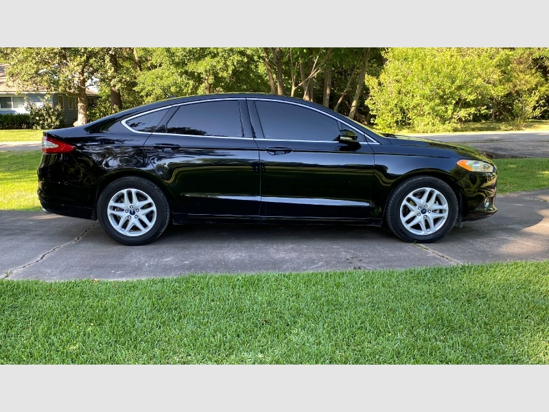 Ford Fusion 2016 price $12,450