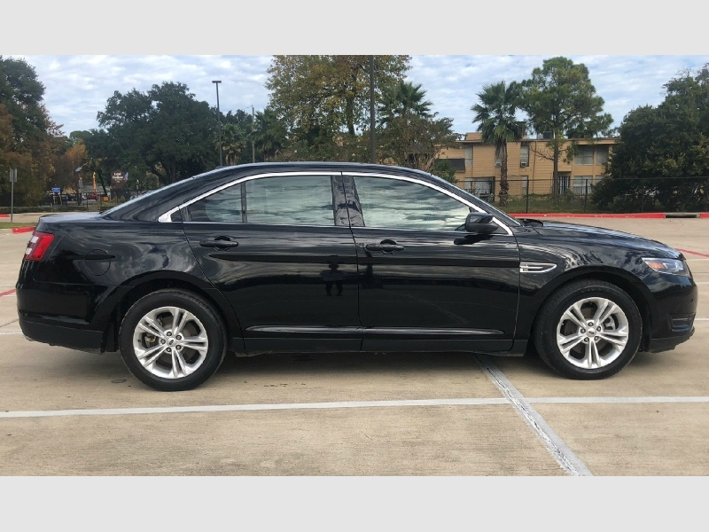 Ford Taurus 2017 price $14,995