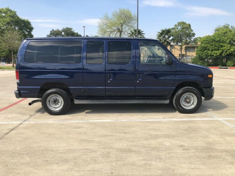 Ford Econoline Wagon 2012 price $7,995