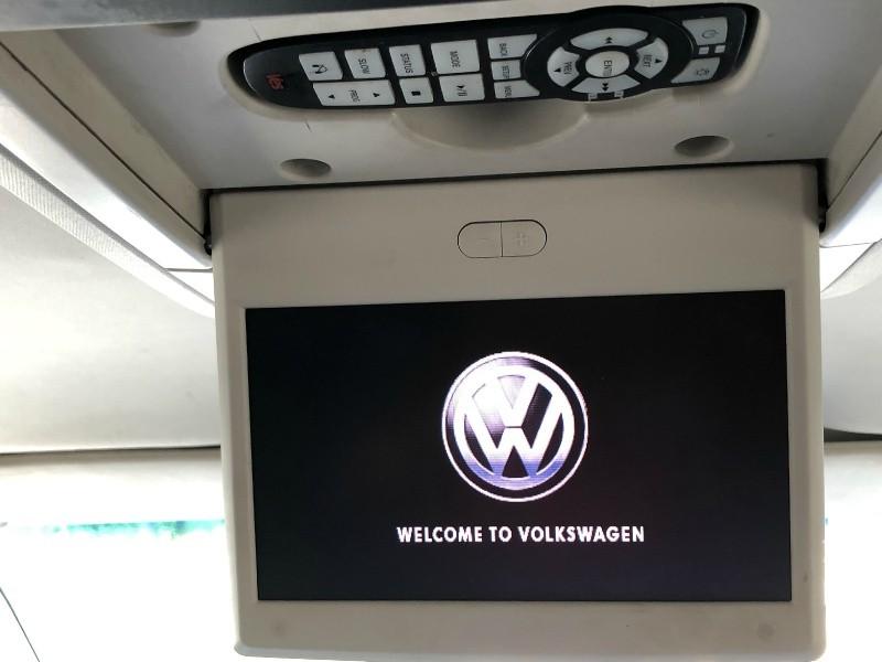 Volkswagen Routan 2012 price $4,999