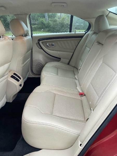 Ford Taurus 2015 price $16,995