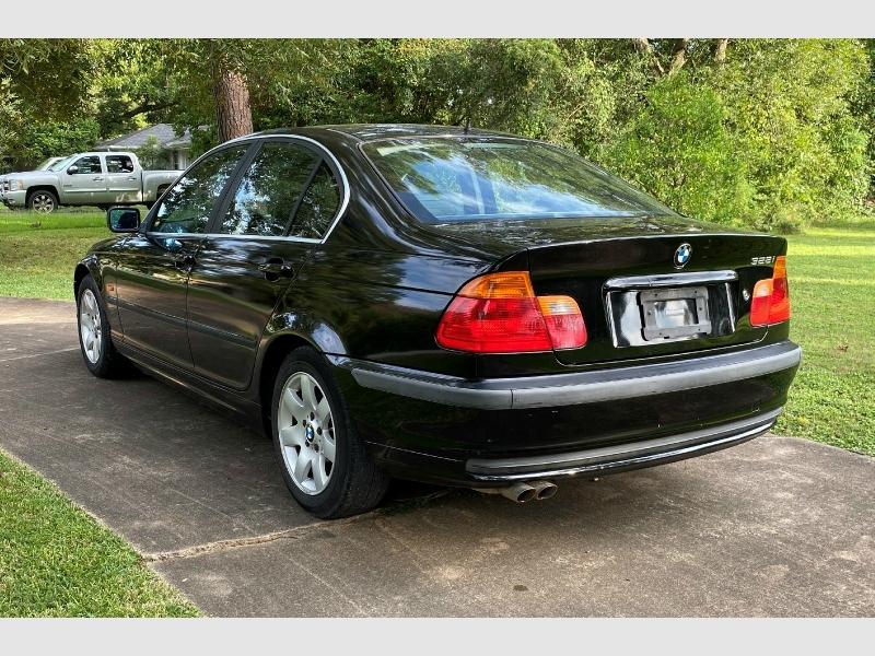 BMW 3-Series 2000 price $2,499