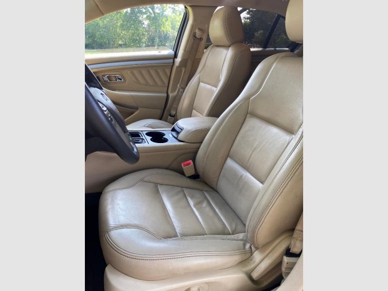 Ford Taurus 2019 price $21,999