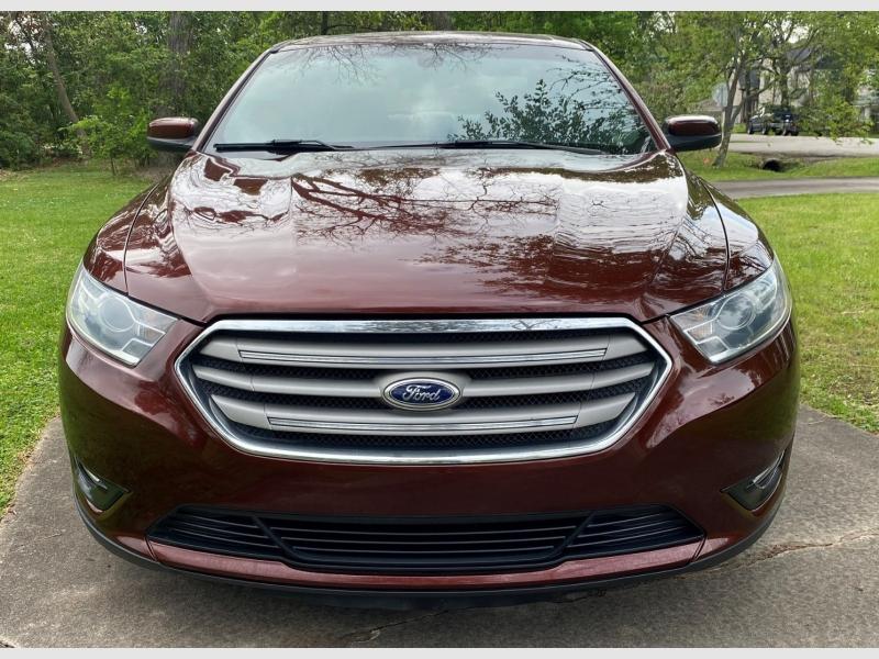 Ford Taurus 2015 price $15,999