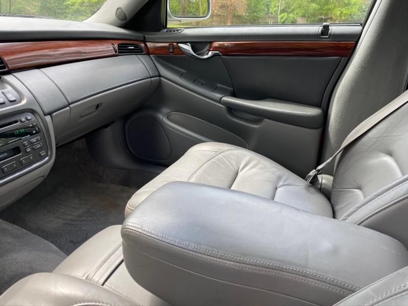 Cadillac DeVille 2001 price $7,995