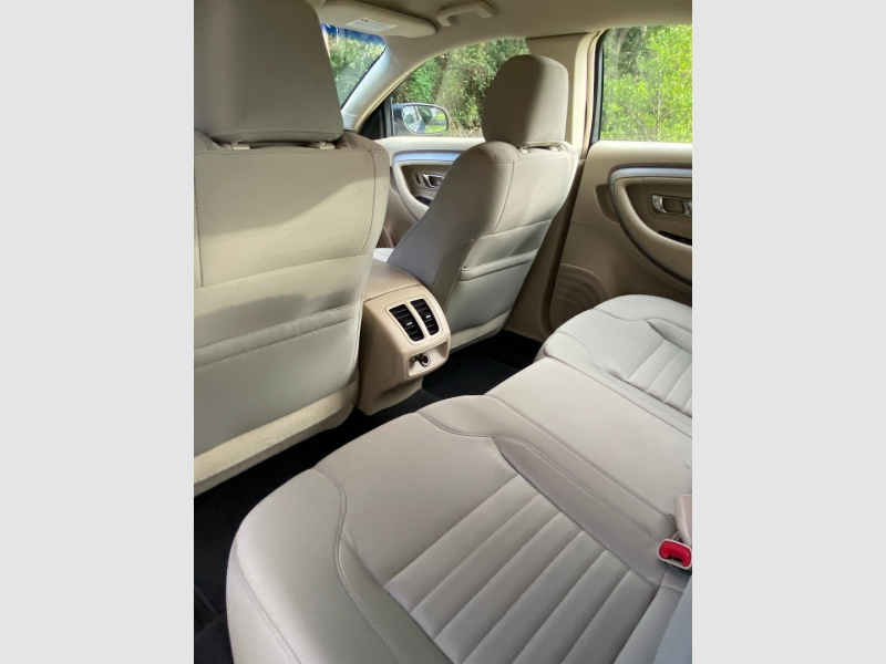 Ford Taurus 2016 price $19,999
