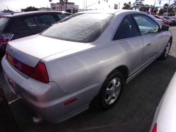 HONDA ACCORD 2001 price Call for Pricing.