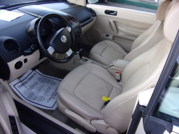 VOLKSWAGEN NEW BEETLE 2004 price $6,995