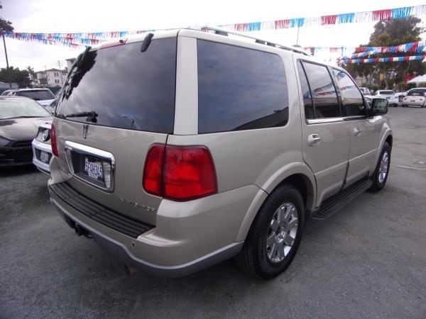 LINCOLN NAVIGATOR 2004 price $3,995