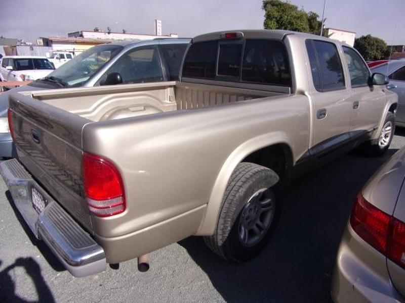 DODGE DAKOTA 2004 price $5,995