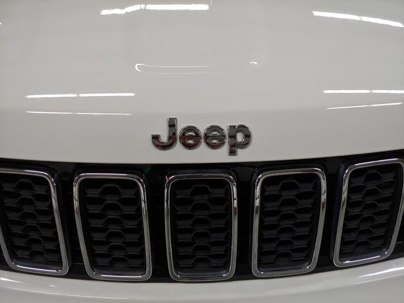 Jeep GRAND CHEROKEE 2017 price $28,400