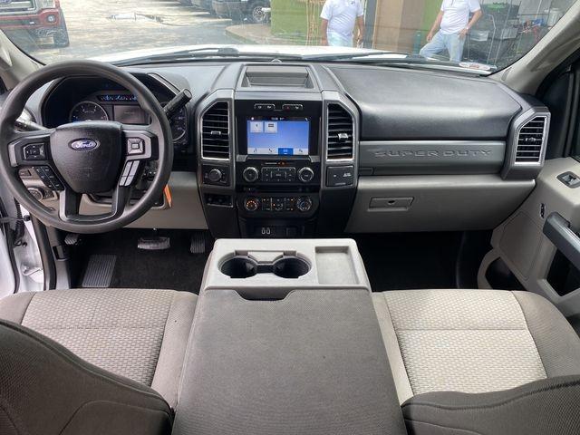 Ford F250 Super Duty Crew Cab 2017 price $34,599