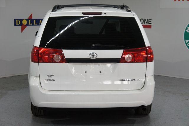 Toyota Sienna 2010 price $0