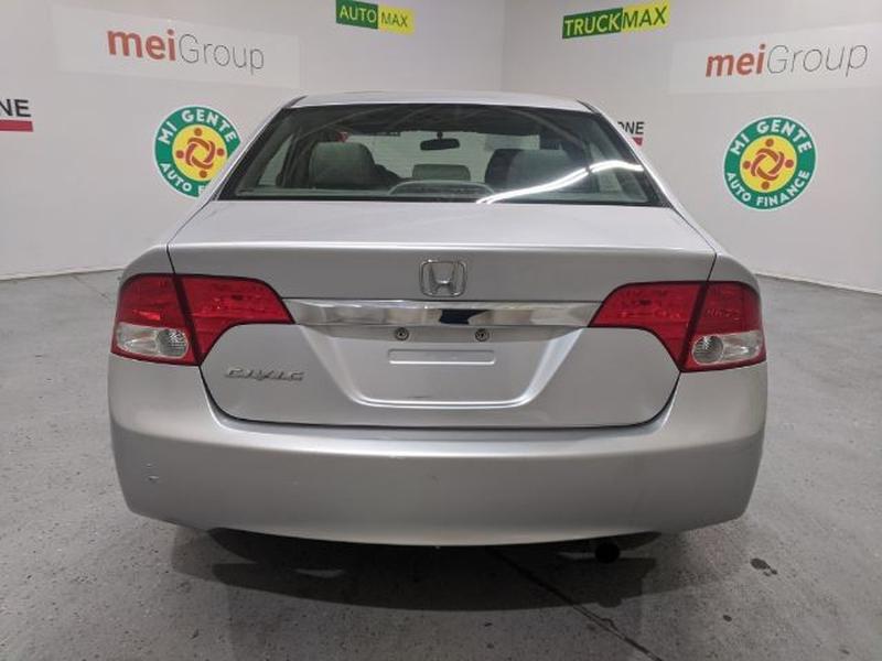 Honda Civic 2011 price Call for Pricing.