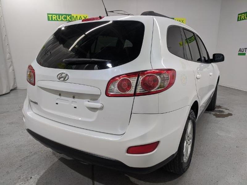 Hyundai Santa Fe 2012 price Call for Pricing.