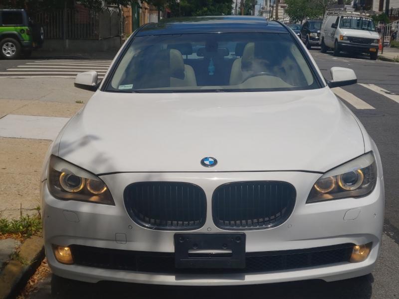 BMW 7-Series 2009 price $16,495