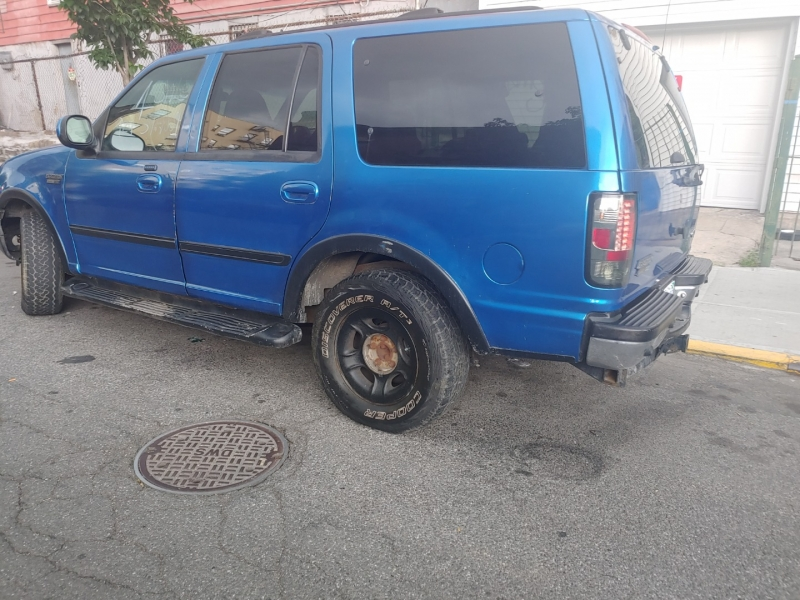 Ford Expedition 2001 price $3,222