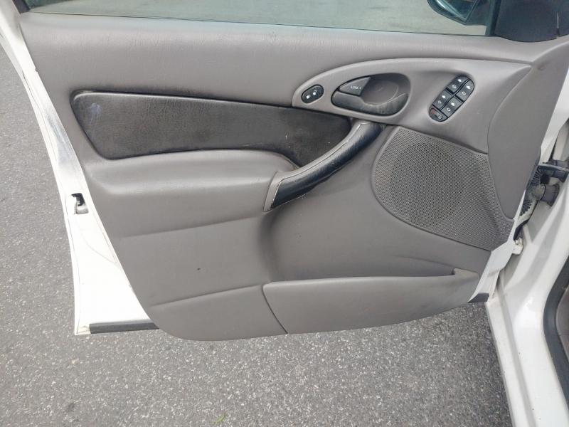 Ford Focus 2003 price $2,222