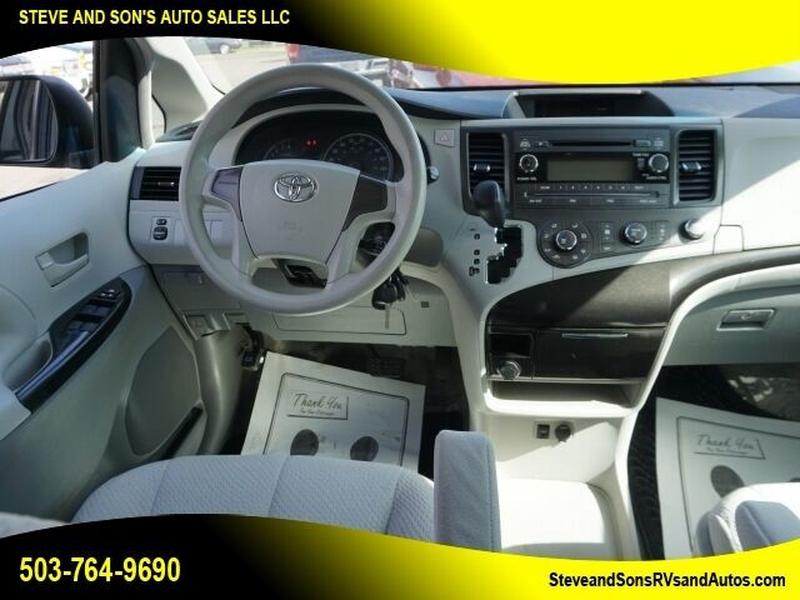 Toyota Sienna 2012 price $10,788