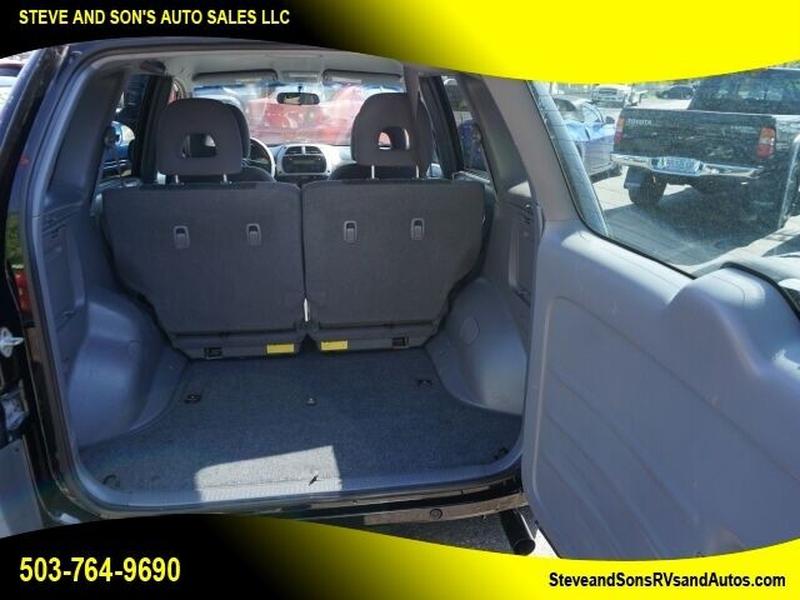 Toyota RAV4 2001 price $3,950