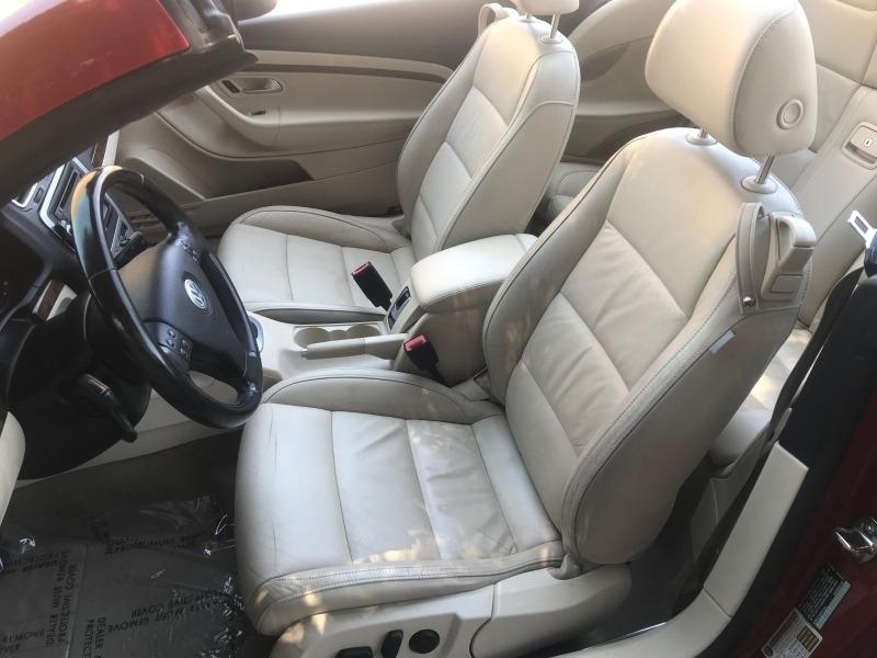 Volkswagen Eos 2009 price $8,995