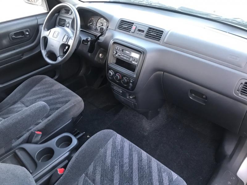 Honda CR-V 2000 price $3,495