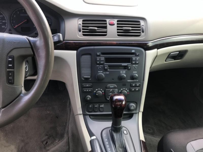 Volvo S 80 2003 price $3,995