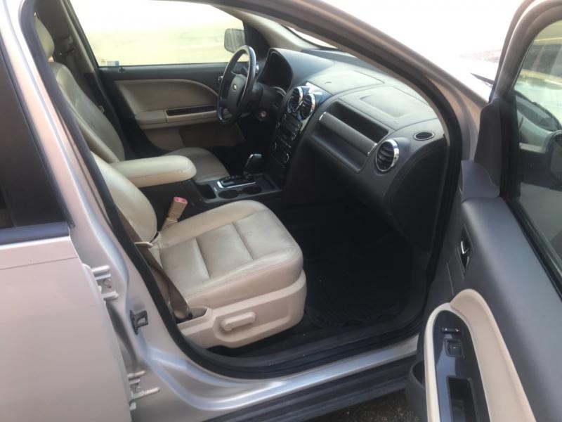 Ford Taurus X 2009 price $6,495