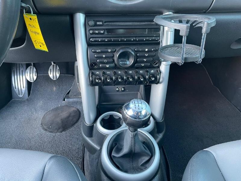 Mini Cooper Hardtop 2005 price $5,495