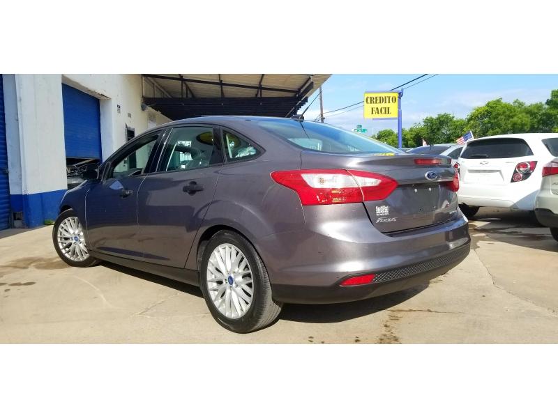 Ford Focus 2014 price $8,500