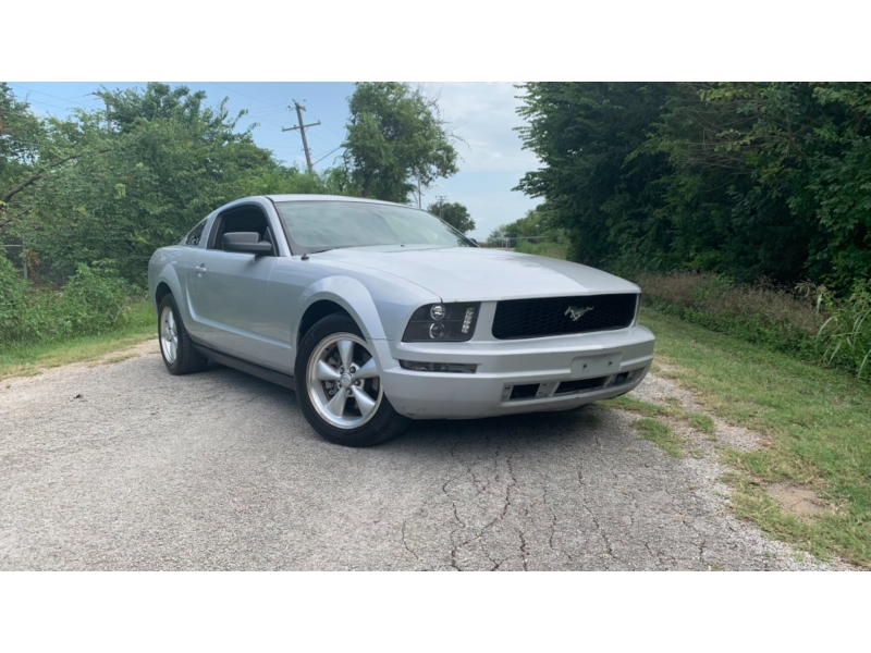 Ford Mustang 2006 price $8,000