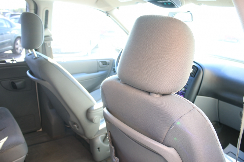 Chrysler Town & Country 2005 price LOW DOWN PAYMENT