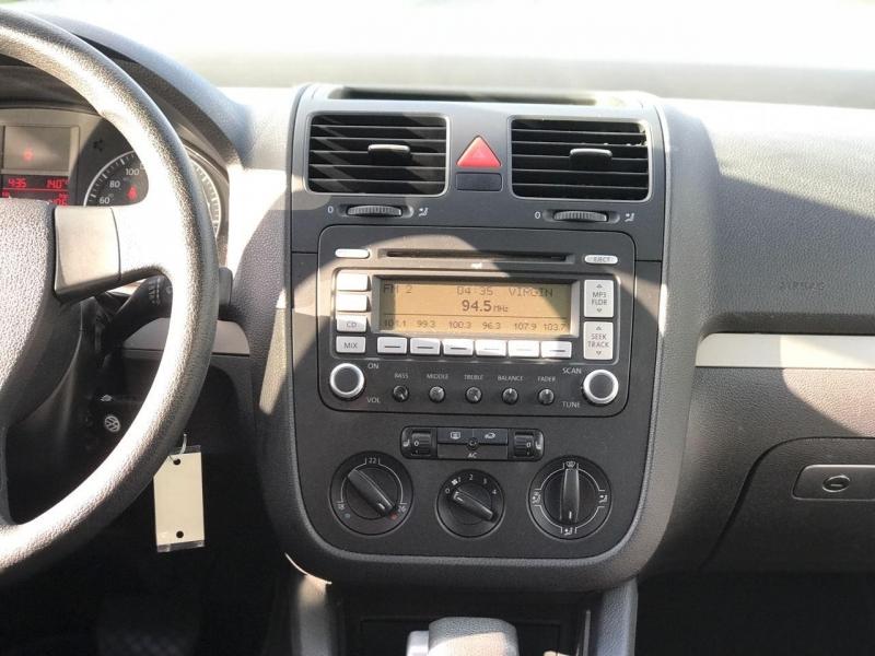 Volkswagen Rabbit 2008 price $5,500