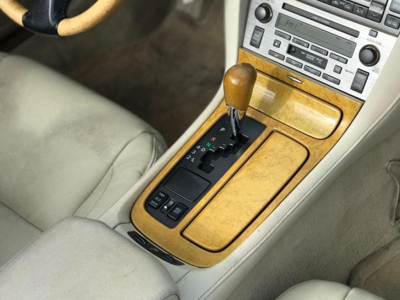 Lexus SC 430 2003 price $8,800