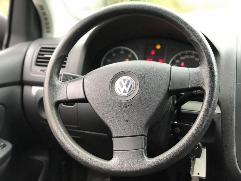 Volkswagen Rabbit 2008 price $6,500