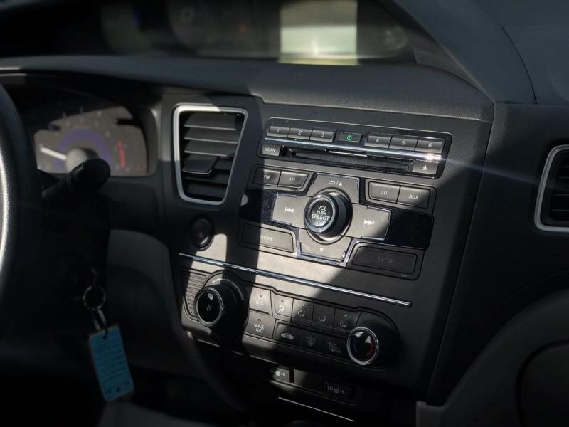 Honda Civic Sedan 2015 price $9,800