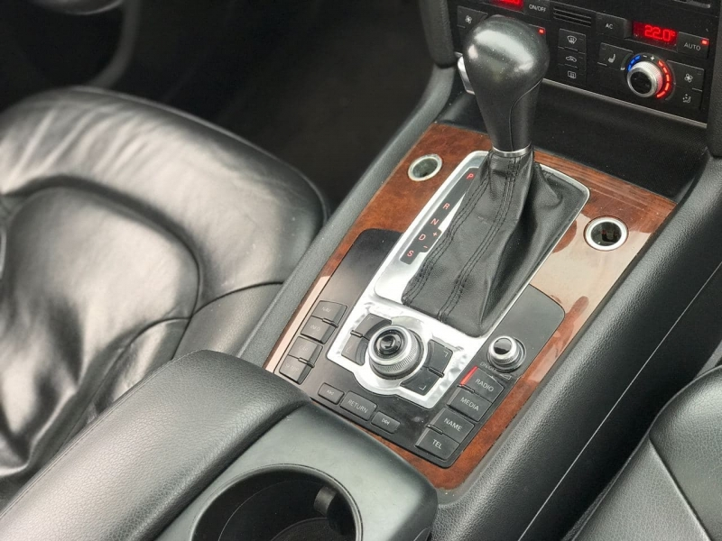 Audi Q7 2010 price $14,500