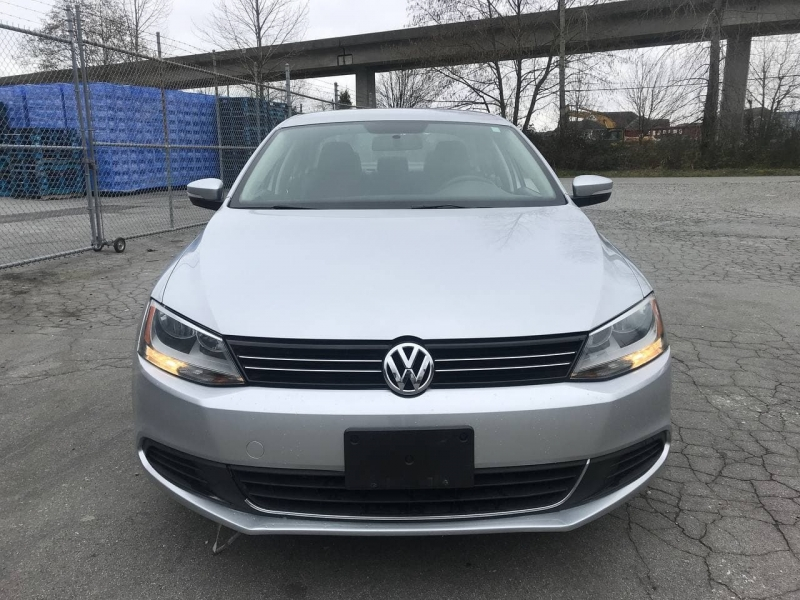 Volkswagen Jetta Sedan 2011 price $8,800