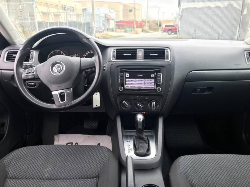 Volkswagen Jetta Sedan 2011 price $7,800