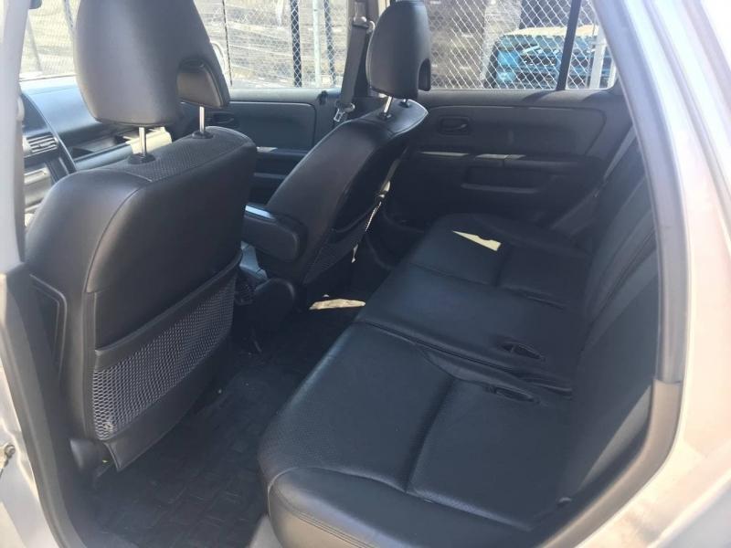 Honda CR-V 2005 price $7,500