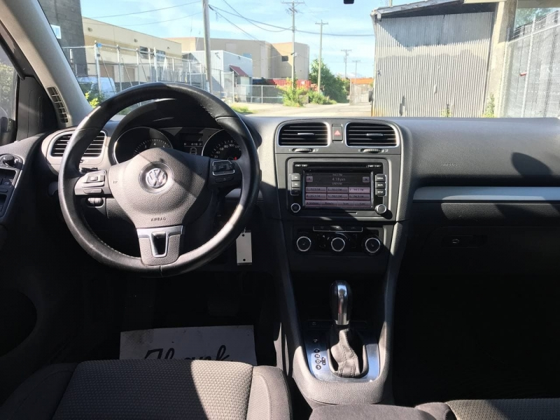 Volkswagen Golf 2011 price $7,800