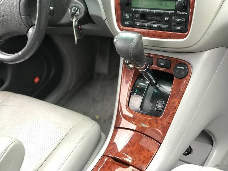 Toyota Highlander 2004 price $7,800