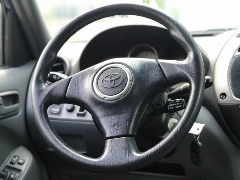 Toyota RAV4 2003 price $3,800