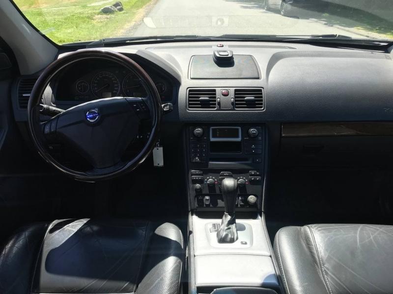 Volvo XC 90 2006 price $5,000