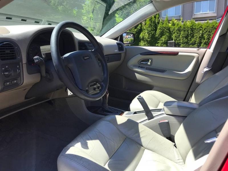 Volvo S 40 2001 price $4,000