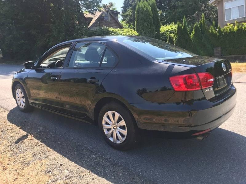 Volkswagen Jetta Sedan 2012 price $9,800