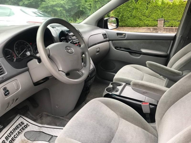Toyota Sienna 2004 price $5,000