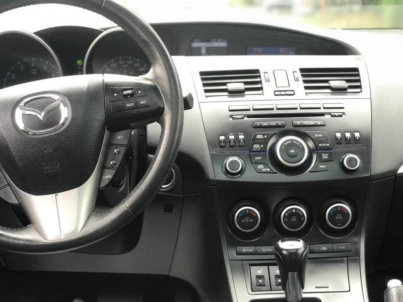 Mazda Mazda3 2013 price $10,800